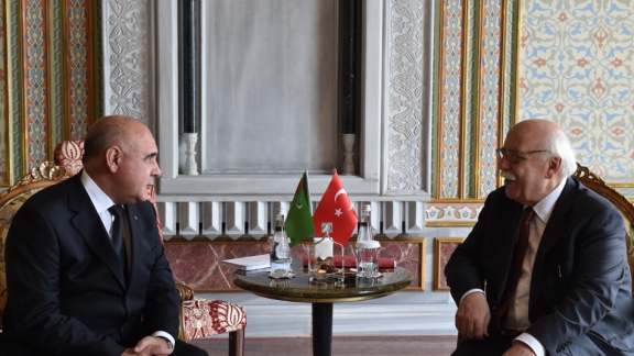 Minister Avcı meets Deputy Prime Minister of Turkmenistan Toyliyev in charge of education